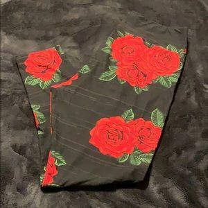 Lularoe Black rose print leggings TC2